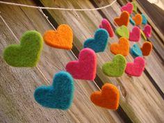 Felt Garland, Felt Ornaments, Needle Felting Tutorials, Felt Fairy, Heart Crafts, Diy Craft Projects, Craft Gifts, Wool Felt, Sewing Crafts