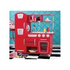 Bon appétit! Met onze rode vintage keuken kunnen kinderen doen alsof ze grote feestmaaltijden bereiden voor de hele familie. De gedetailleerde afwerking en interactieve functies maken van deze schattige keuken het ideale cadeau voor elke jonge chef-kok in uw leven.