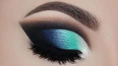 Make-up Lidschatten Silber Eyeliner 18 super Ideen What is Makeup ? What's Makeup ? Generally speaking, what is makeup ? Makeup Eye Looks, Beautiful Eye Makeup, Blue Eye Makeup, Eye Makeup Tips, Cute Makeup, Makeup Goals, Makeup Inspo, Eyeshadow Makeup, Makeup Inspiration