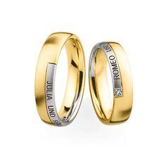 Ein Princess Cut-Diamant und die eingravierten Namen der Liebenden machen dieses Ringpaar zu etwas ganz Persönlichem. 💍 Damenring: 750 Gelbgold/ 950 Platin | Breite 5,0 mm | 1 Diamant (CEP. 0,035 ct) 💍 Herrenring: 750 Gelbgold/ 950 Platin | Breite 5,0 mm