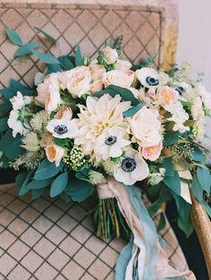 25 Dahlia Wedding Bouquet Ideas for Wedding Flower Trends 2019 – Page 2 – Hi Miss Puff Bouquet Pastel, Dahlia Wedding Bouquets, Anemone Bouquet, Eucalyptus Bouquet, Peach Bouquet, Wedding Flower Arrangements, Wedding Centerpieces, Floral Wedding, Wedding Colors