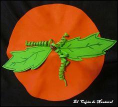 DIY, Tutorial Gorro y botas http://www.elcajondenazanial.com/2014/10/como-hacer-un-disfraz-de-calabaza.html