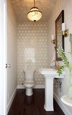 Great powder room with feature wall. Could be done with tile, wallpaper or recla… Great powder room with feature wall. Powder Room Small, Room Remodeling, Modern Master Bathroom, Room Tiles, Amazing Bathrooms, Powder Room Decor, Bathrooms Remodel, Room Layout, Room Design