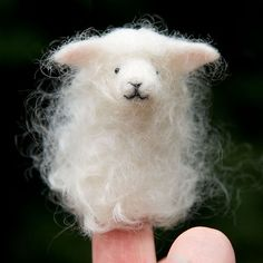 felted finger puppet...so stinkin' cute.