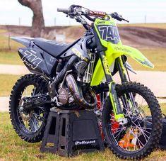 September 13 2018 at 250 Dirt Bike, Dirt Scooter, Motorcycle Dirt Bike, Dirt Bike Girl, Kawasaki Dirt Bikes, Ktm Dirt Bikes, Cool Dirt Bikes, Motocross Maschinen, Enduro Motocross