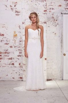 The WILD HEARTS Collection offers the free spirited bride a sophisticated wedding gown.   Handmade in Sydney, Australia the WILD HEARTS Collection is a labour of love for creative designer, Karen Willis Holmes. With a desire to continue her distinctive stylish and sophisticated design aesthetic
