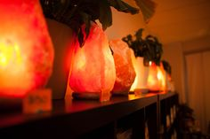 Have you been wondering what the deal is with those salt lamps? It's not just the niceambient light. Salt lamps actually help filterthe air, removing dirt, pollen, bacteria, viruses, pet dander,mold spores, positive ions,…