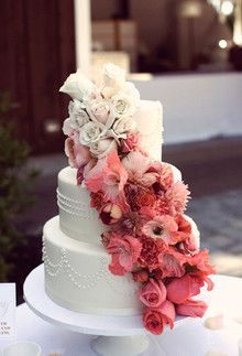 #floral #pink #cream #beautiful #wedding #cake #pastel