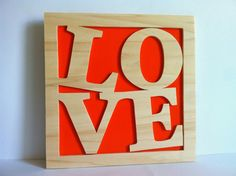 Love cuadro de madera personalizado por Planetasierra en Etsy, €24.99
