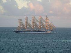 Cosas únicas : Royal Clipper, El mayor velero del mundo Royal Clipper, Sailing Ships, Boat, Leo, World, Vintage Boats, Sailing Boat, Wood, Merchant Navy