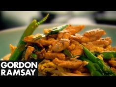 Egg-Fried Rice Noodles with Chicken - Gordon Ramsay Tenderising chicken breast and cooking it very fast means that it stays moist - perfect for this dish. This recipe cooks literally cooks in minutes - a healthy, affordable and fast weekday meal with simple flavours. #picsandpalettes #GordonRamsay