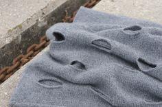 Julia  Grau  Design: # cashmere hole art #