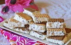 15 Ice Cream Sandwich Hacks: Easy Ways to Make 'Em Homemade Ice Cream Treats, Ice Cream Desserts, Frozen Desserts, Frozen Treats, Easy Desserts, Homemade Ice Cream Sandwiches, Easy Homemade Ice Cream, Deli Sandwiches, Sweet Recipes