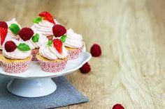 Výsledok vyhľadávania obrázkov pre dopyt muffiny Panna Cotta, Pudding, Ethnic Recipes, Desserts, Food, Dessert Ideas, Dulce De Leche, Meal, Custard Pudding