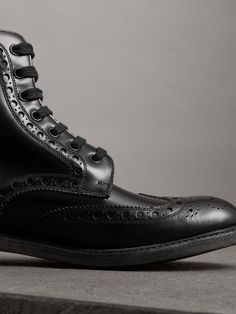 2ed2c796be32 Brogue Detail Polished Leather Boots in Black - Men