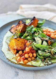 Harissa Roast Pumpkin Salad : cauliflower instead of chickpeas Vegetarian Recipes, Cooking Recipes, Healthy Recipes, Veggie Recipes, Roast Pumpkin Salad, Roasted Cauliflower, Dessert, Salad Recipes, Healthy Eating