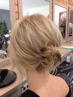 Messy Low Bun For Short Hair Hair Short hair bun Messy Bun For Short Hair, Short Thin Hair, Short Hair Updo, Long Bob Updo, Messy Buns, Updos For Thin Hair, Short Hair Wedding Updo, Messy Lob, Prom Updo
