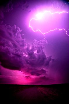 Beautiful plum, purple and mauve sky with lightning. All Nature, Amazing Nature, Beautiful Sky, Beautiful World, Pretty Pictures, Cool Photos, Wild Weather, Purple Haze, Purple Sunset