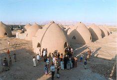 Superadobe disaster housing for desert refugees
