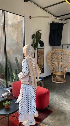 Ootd Hijab, Hijab Outfit, Hijab Fashion, Fashion Outfits, Womens Fashion, Furniture, Outfit Ideas, Home Decor, Style