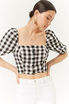 Forever 21 has a crop top for every mood! Try flexible knit or structured woven crop tops, tube tops, off-the-shoulder crop tops, cropped sweaters & more! Blusas Forever 21, Casual Outfits, Cute Outfits, Aesthetic Clothes, Diy Clothes, Blouse Designs, Vintage Outfits, Fashion Dresses, Crop Tops