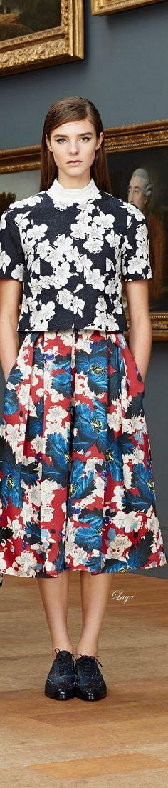 Floral tee + skirt = <3