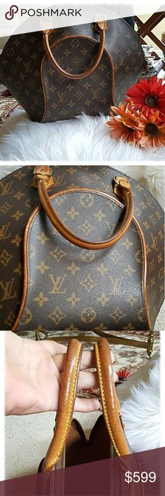 VINTAGE LOUIS VUITTON ELLIPSE MM BAG This classic bag is the LARGER size ellipse. I am selling it for my SIL. She needs to raise some $$$. It is in wonderful condition w/ normal wear & tear for its age. The interior is clean. The vacchetta is slighly darkened. Louis Vuitton Bags Satchels