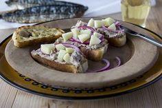 Bruschette met makreelmousse en appel! http://www.brood.net/recepten/smulweb/bruschette-met-makreelmousse-en-appel