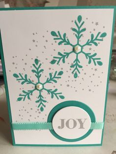 "Stampin' Up! Christmas card in Bermuda Bay and Smokey Slate inks using ""Holly Jolly Greetings"" stamp set"