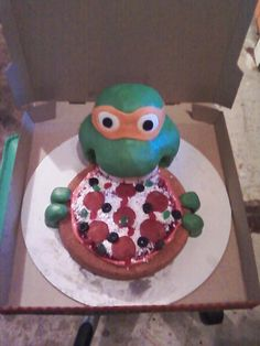how awesome is this ninja turtles cake a pizza box would be awesome to put it in???