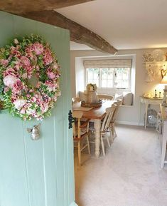 Discover recipes, home ideas, style inspiration and other ideas to try. English Country Cottages, English Country Style, Cottage Kitchens, Cottage Homes, Cottage Living, Cottage Style, Coastal Cottage, Farmhouse Style, Farmhouse Decor