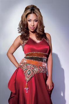 Wife of R&B singer @JaySean @tharanatalie strikes a pose wearing a Khubsoorat one piece ensemble