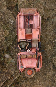 Tamiya SAS Land Rover 'Pink Panther'