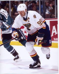Louis Blues Memorabilia prices and save big on Blues Memorabilia and other Missouri-area sports team gear by scanning prices from top retailers. Hockey Games, Hockey Players, Ice Hockey, Sheffield Steelers, Nhl All Star Game, Blues Nhl, Mario Lemieux, Hockey World, Wayne Gretzky