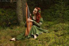 Armstreet Forest Princess Medieval Dress, Leaf Hairpiece, Diy, Laurelin Design Copper Ivy Leaf Pendant