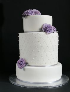 Painted by cakes hääkakku