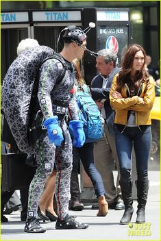 Megan Fox & Alan Ritchson Hold Hands on 'Ninja Turtles' Set: Photo Megan Fox holds hands with her co-star Alan Ritchson while filming a scene for their movie Teenage Mutant Ninja Turtles on Monday morning (May in New York City. Teenage Turtles, Teenage Mutant Ninja Turtles, Megan Fox Hair, Alan Ritchson, Smallville, Hold Hands, Monday Morning, Tmnt, Scene
