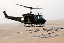 Helicóptero UH-1H durante Escudo del Desierto