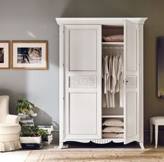 White closet for bedroom Furniture Makeover, Home Furniture, Furniture Design, Bedroom Furniture, Twin Girl Bedrooms, Closet Door Makeover, Decoration Bedroom, Bedroom Wardrobe, Small Room Bedroom