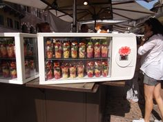 Fresh fruit as a snack. What a great idea! Only in hot countries though, so that rules out Ireland, again!