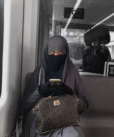 Hijab Niqab, Muslim Hijab, Mode Hijab, Niqab Fashion, Modest Fashion, Beautiful Hijab, How Beautiful, Hijab Dress, Muslim Women