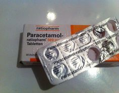 Paracetamol-Tabletten gegen hartnäckige Schweißflecken   Frag Mutti