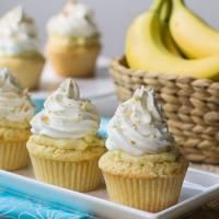 Banana Pudding Cupcake are a delicious dessert in cupcake form. These are loaded with a banana filling!
