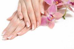 Nail Care Tips – 5 Tips For Healthy Nails Clear Gel Nail Polish, Sparkle Nail Polish, Top Coat Nail Polish, Cheap Nail Polish, Yellow Nail Polish, Gel Polish Colors, Best Nail Polish Brands, Nail Polish Trends, Nail Polishes