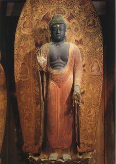 釈迦如来立像-syakanyorairyuuzou-(zaakya) It is considered that the 釈迦如来(shakanyorai) is the only Buddha in the world. 釈迦如来 is the way of call which respects ゴータマ・シッダッタ(Gotama Siddhattha) as the Buddha. 釈迦如来=釈迦牟尼仏 室生寺(murouji)