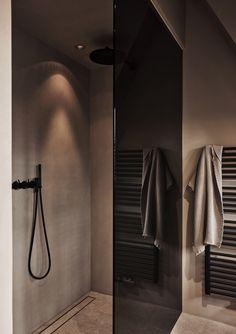 Bathroom Rules, Modern Master Bathroom, Bathroom Spa, Bathroom Toilets, Grey Bathrooms, Beautiful Bathrooms, Small Bathroom, Bathroom Design Inspiration, Bathroom Interior Design