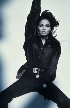 Holly shit, she's making me question my sexuality y'all. JANET JACKSON, don't do that!! She be looking like her brother, what the fuck?!