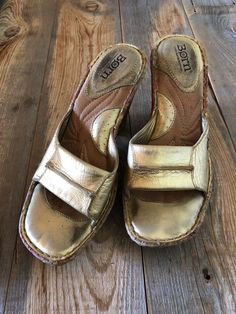cb4dedb3070 BORN Sandals Wedge Heels Gold Leather Womens Size 7.5 W Floral Cork Wedge   fashion  clothing  shoes  accessories  womensshoes  sandals (ebay link)