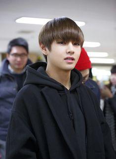 Las etiquetas más populares para esta imagen incluyen: bts, v, taehyung, bangtan boys y kpop