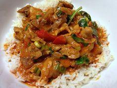 Thai Red Curry Chicken w/ Jasmine Rice Meat Recipes, Asian Recipes, Chicken Recipes, Ethnic Recipes, Recipies, Kos, Red Curry Chicken, Cook Up A Storm, Winner Winner Chicken Dinner